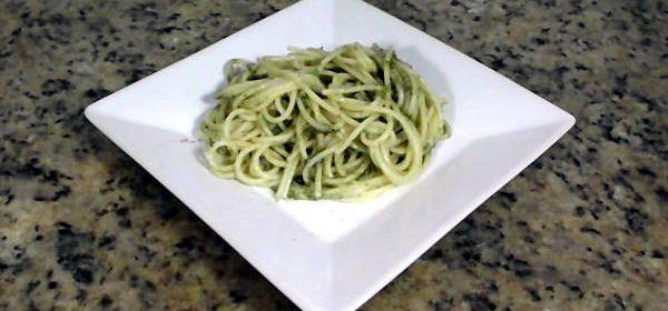 receita espaguete ao pesto